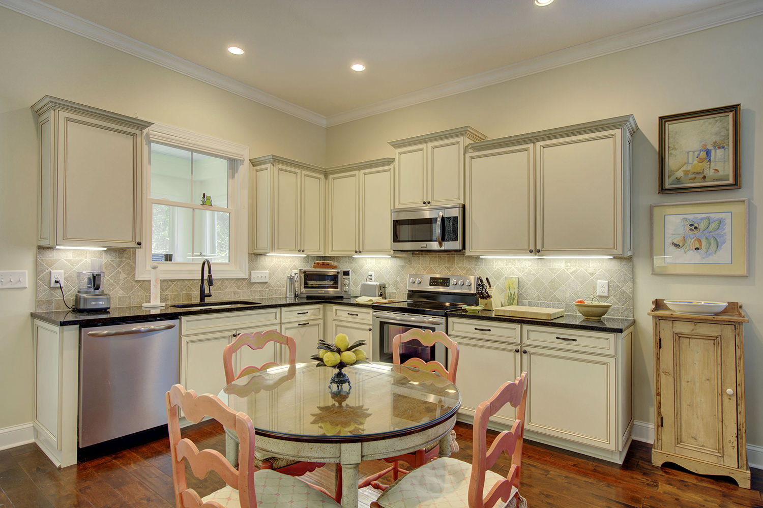 Posed-Home-Staging-Redesign-kitchen-1